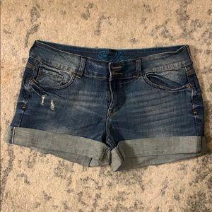 dEliA*s Bailey Shorts 13/14